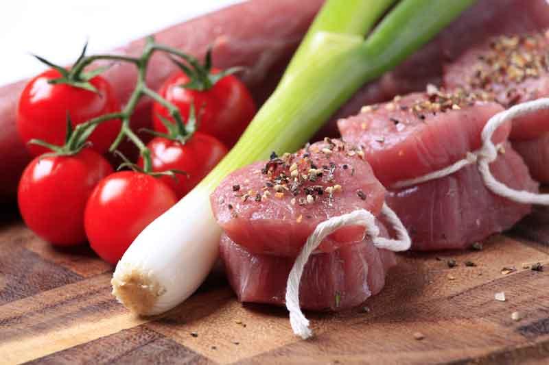 Filet mignon de porc à la tomate