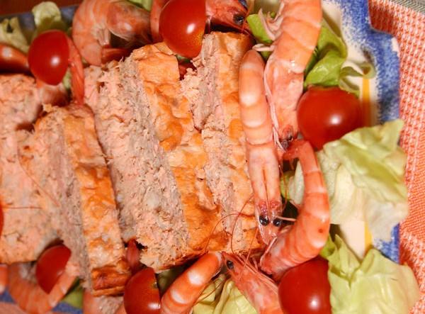 Pain de crabe et de thon à la tomate
